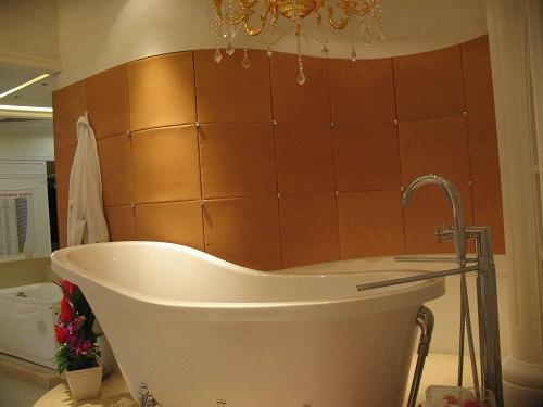 antique style bathtub
